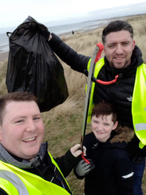 Veitchi Staff and family helping with the Ayr Beach Clean 2019